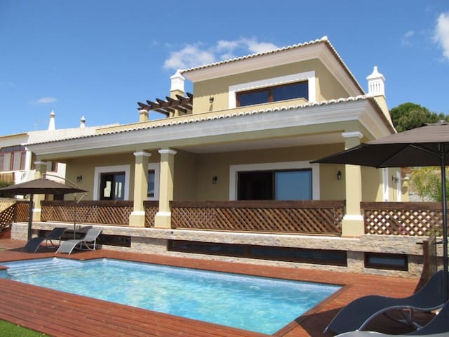 Villa Tiago  (License nº 61024/AL)