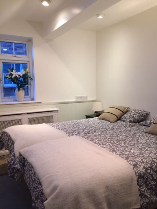 Lovely bright twin bedroom