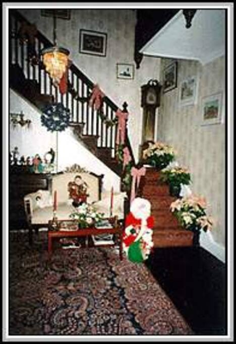 As you enter Cottle's Seafield Cottage Bed and Breakfast, you will find a gentle return to the Victorian era where craftsman had time to pay attention to detail.