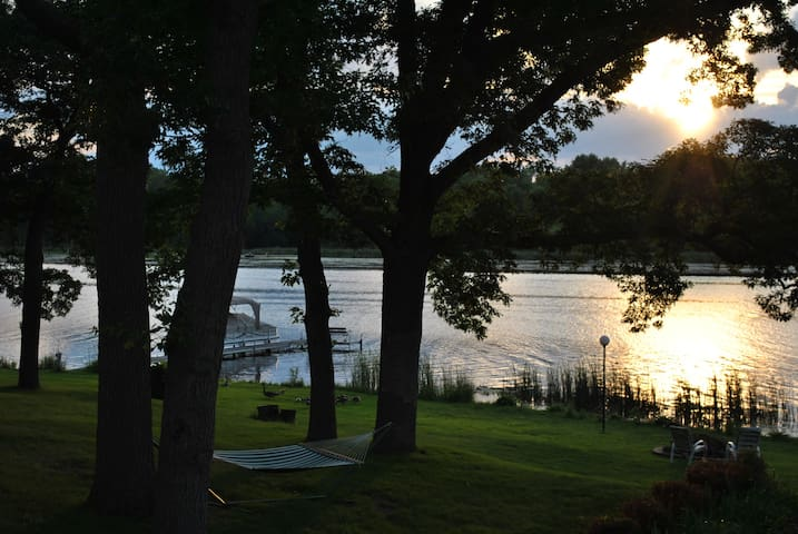 Minneapolis/St Paul Lake Cabin - Roseville - Casa de campo