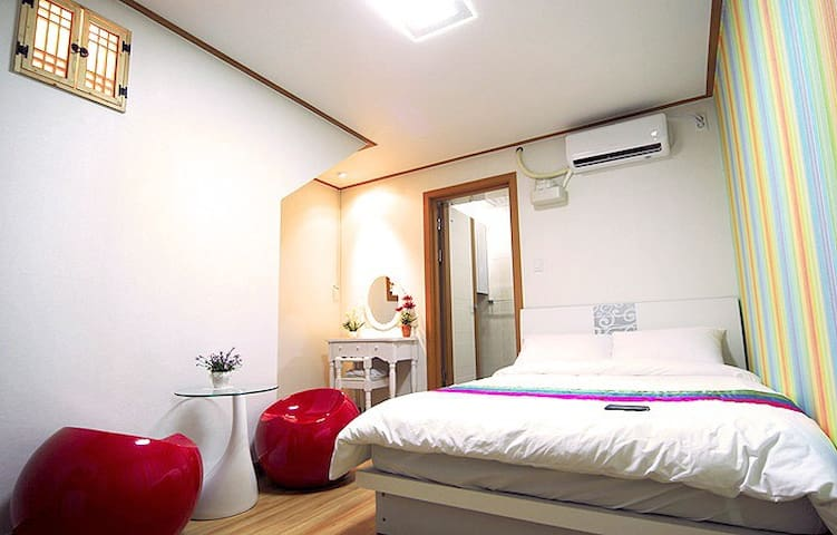 Double Room In MagoGueshouse - Jung-gu - Hus