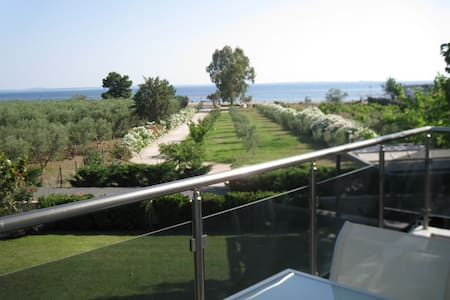 LOVELY  DUPLEX HOUSE BY THE SEA - Chalkidiki  - Haus