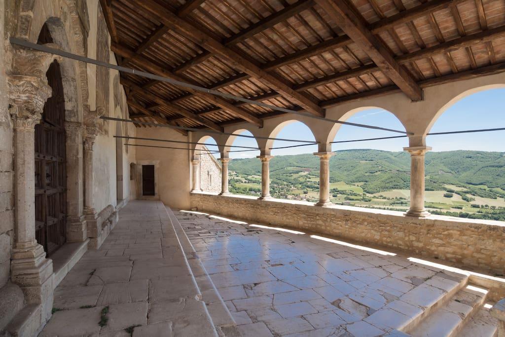 Loggiato della chiesa di S.Andrea