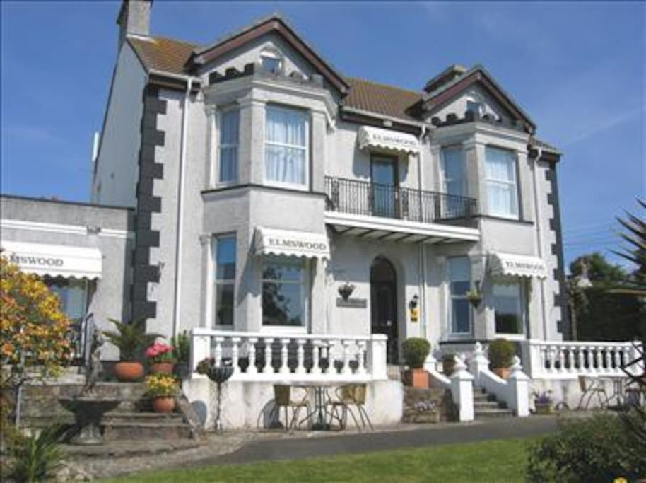 4 Star rated B &B in a friendly village near the sea in Cornwall