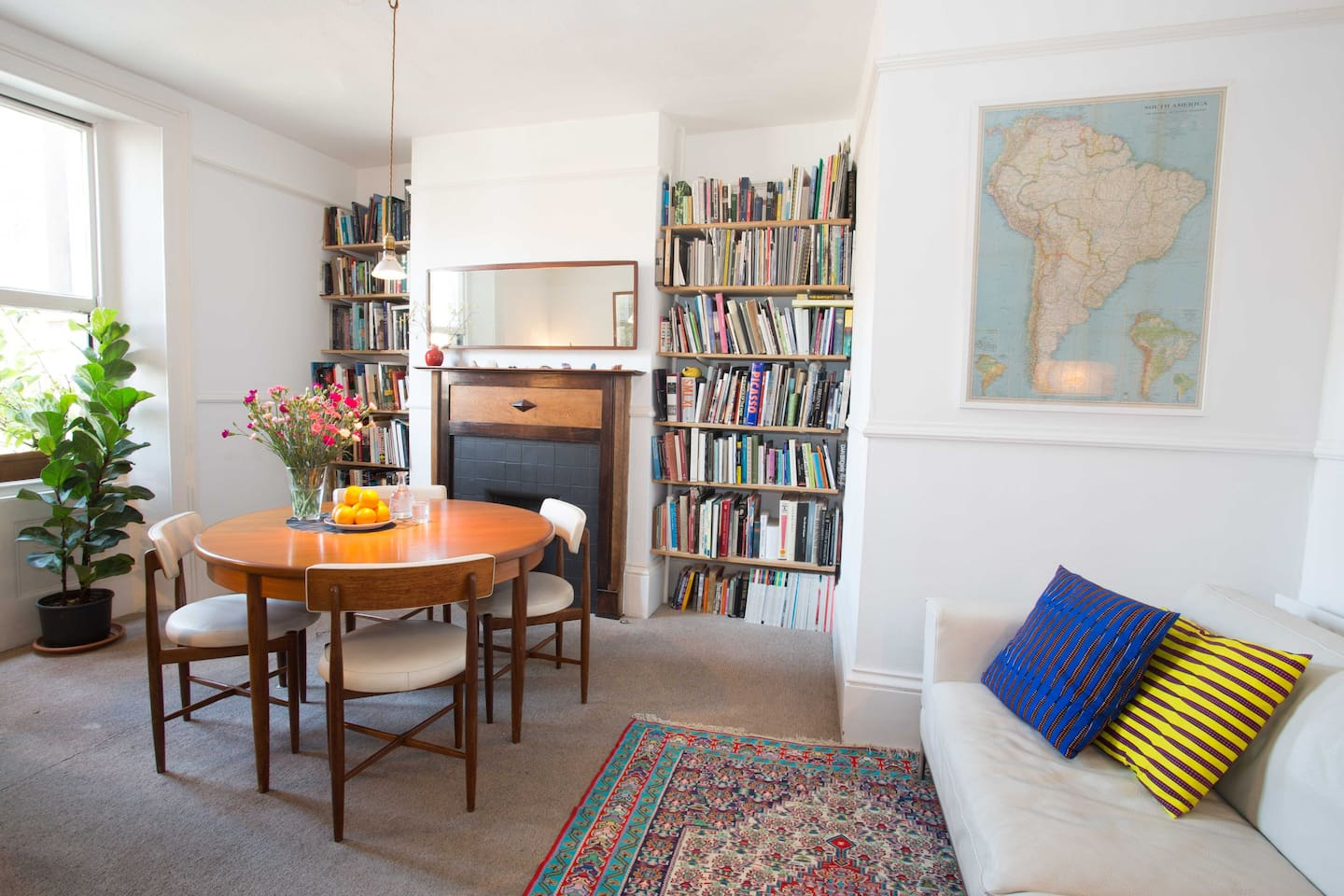 The Library with an extensive  collection of art, culture and architecture books, for our guests is the most inspiring place of the apartment.