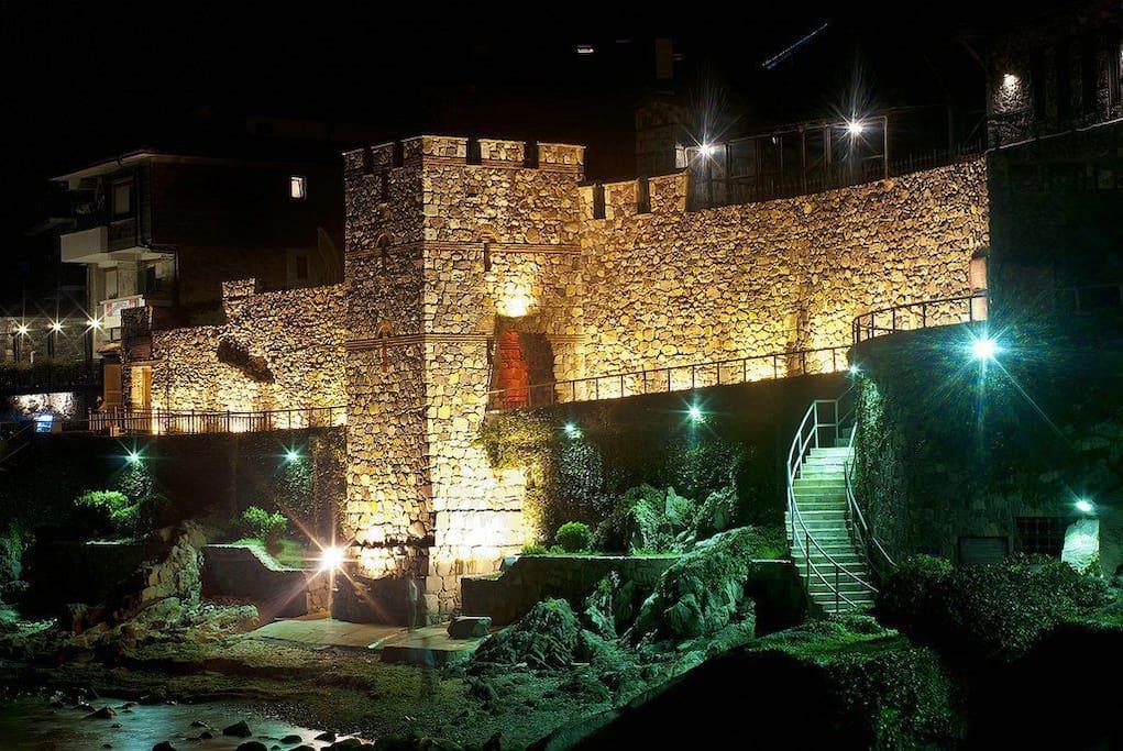 Старый город, крепость.