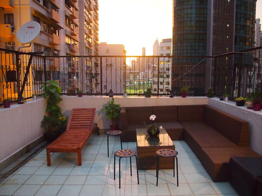 Shared happy valley flat with private roof appartements louer hong kong hong kong island - Farbiges modernes appartement hong kong ...