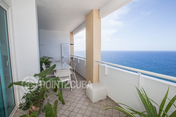 2BR OceanFront Condo w/ Wifi included