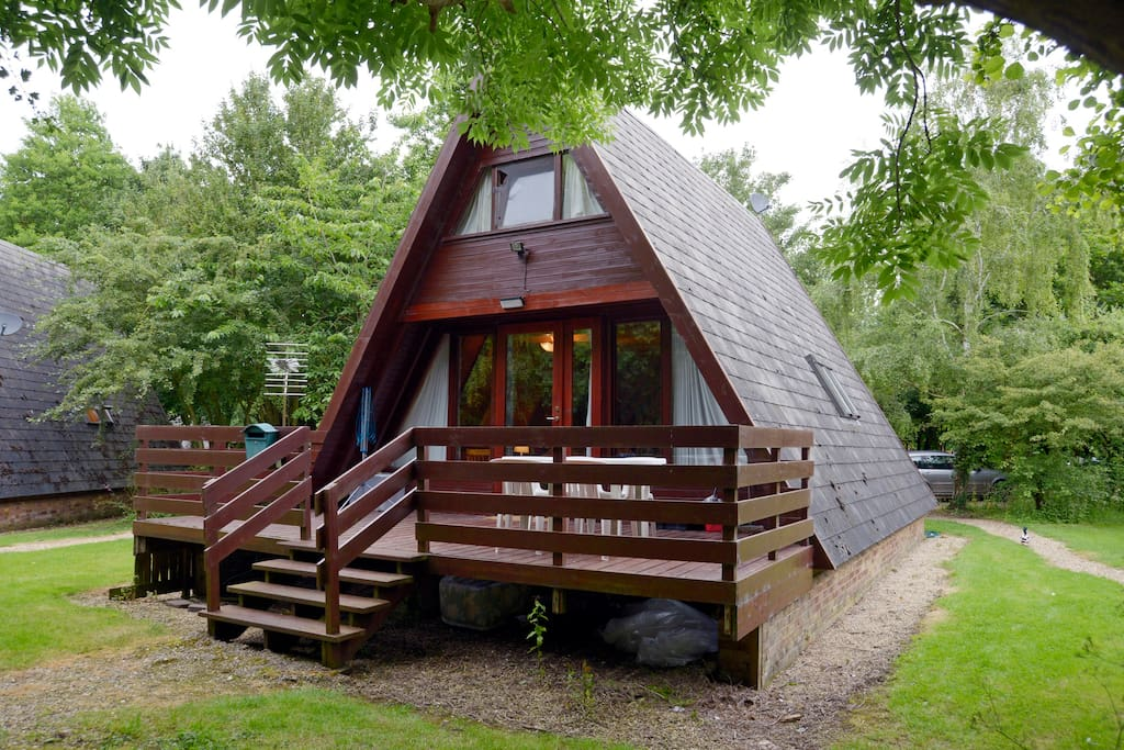 Cute wooden cabin by nature reserve