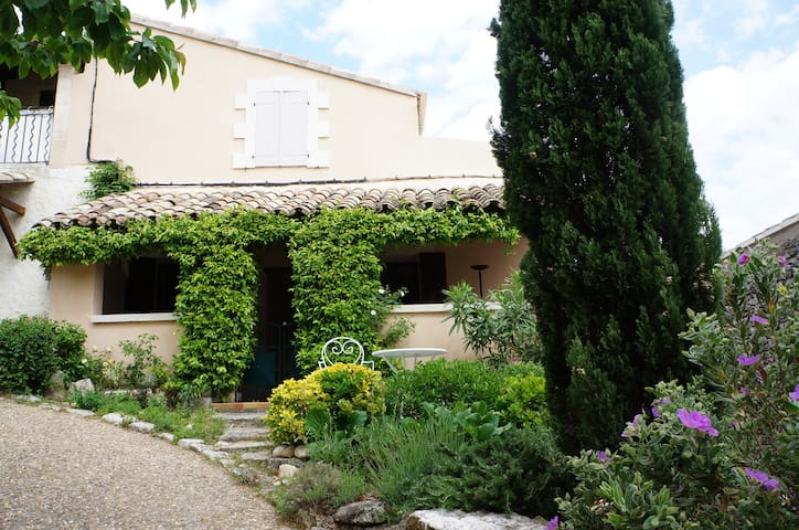 A typical village house in Luberon. - Joucas - House