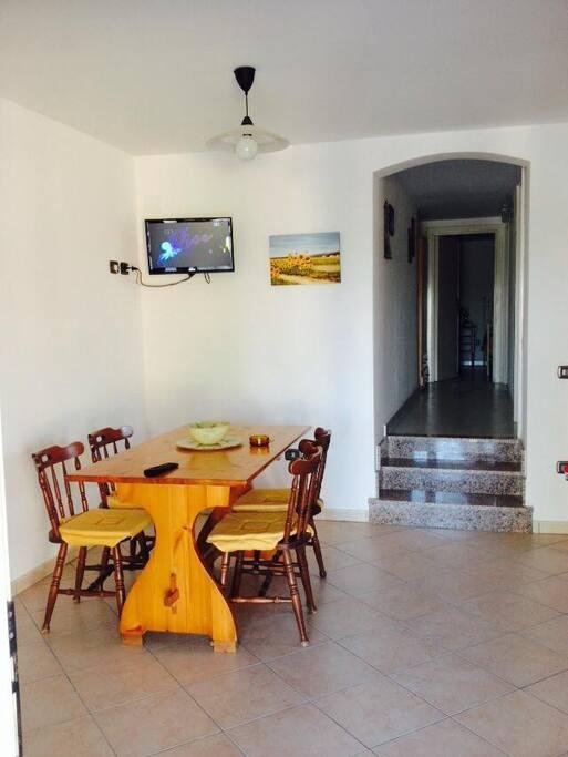 Altra metà soggiorno