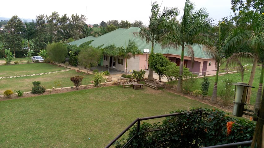 Palm Heights Hotel - Mbarara - Bed & Breakfast