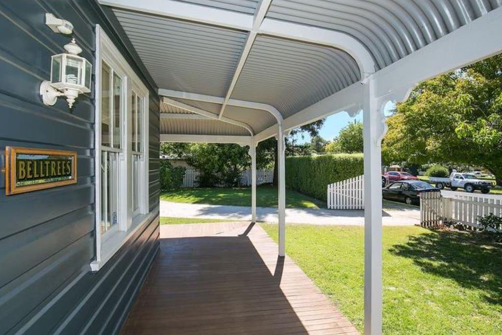 Wraparound verandah