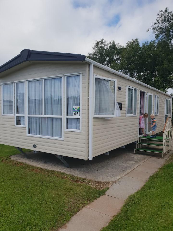 6 berth static caravan for families