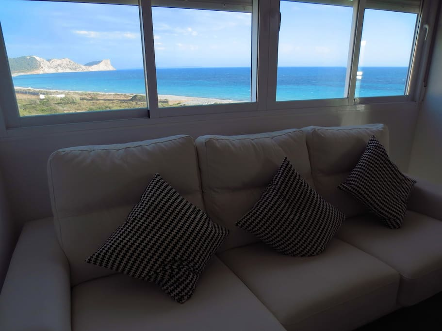 Vistas al mar espectaculares desde toda las habitaciones de la casa.