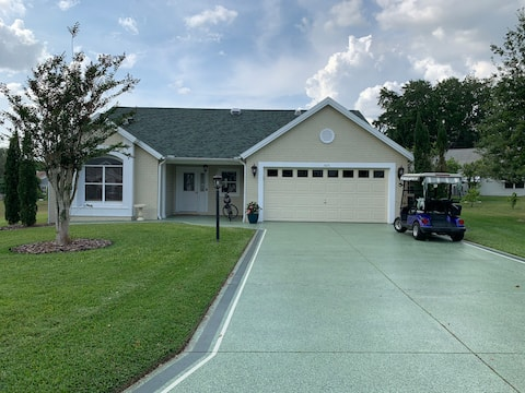 Beautiful, newly renovated 2-BR home on a lagoon