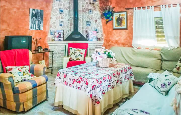 Holiday cottage with 4 bedrooms on 125m² in Navares