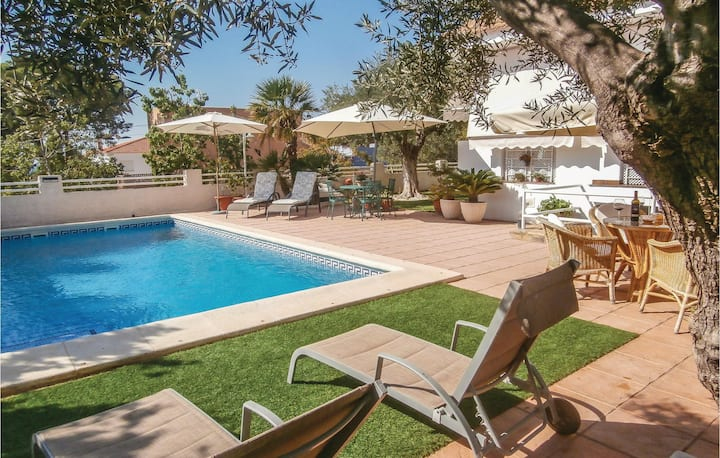 Awesome home in Cartagena with WiFi, 2 Bedrooms and Outdoor swimming pool
