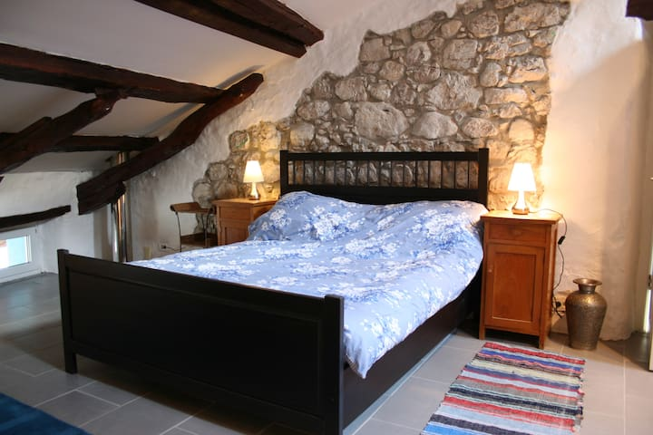 Attic Suite Apartment - Sleeps 5 - Kobarid - Appartement