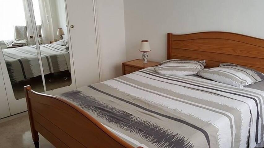 Chambre calme et agréable pres du centre - Nice - Appartement