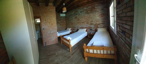 Borealis Guesthouse (Triple Room with lake view L)