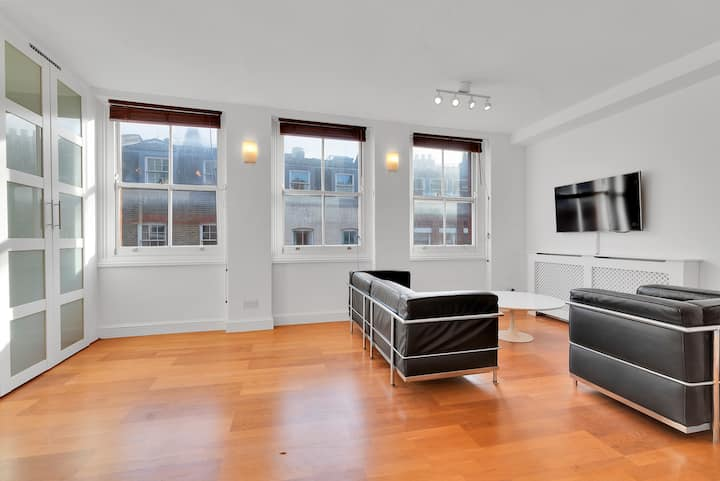One bed flat in the heart of Soho