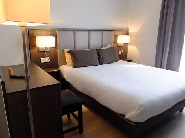 Chambre avec 2 lits simples en plein coeur de Montmartre