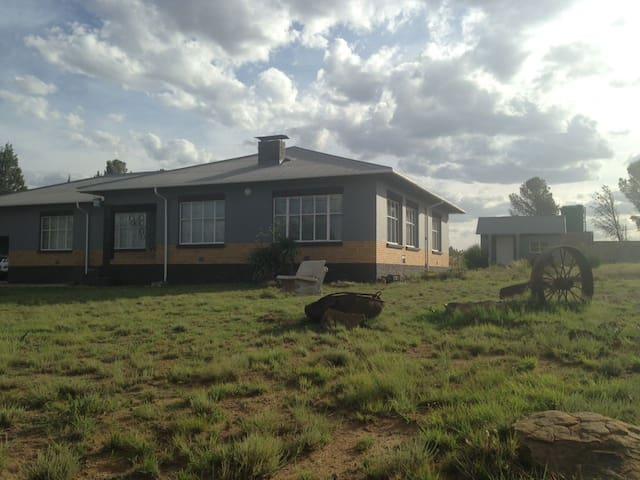 Molteno Hoedklip Lodge A beautiful Karoo Farmhouse