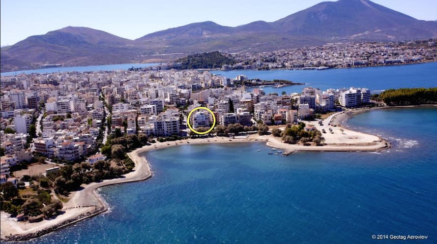 Luxurious Seaside Apartment in Chalkida