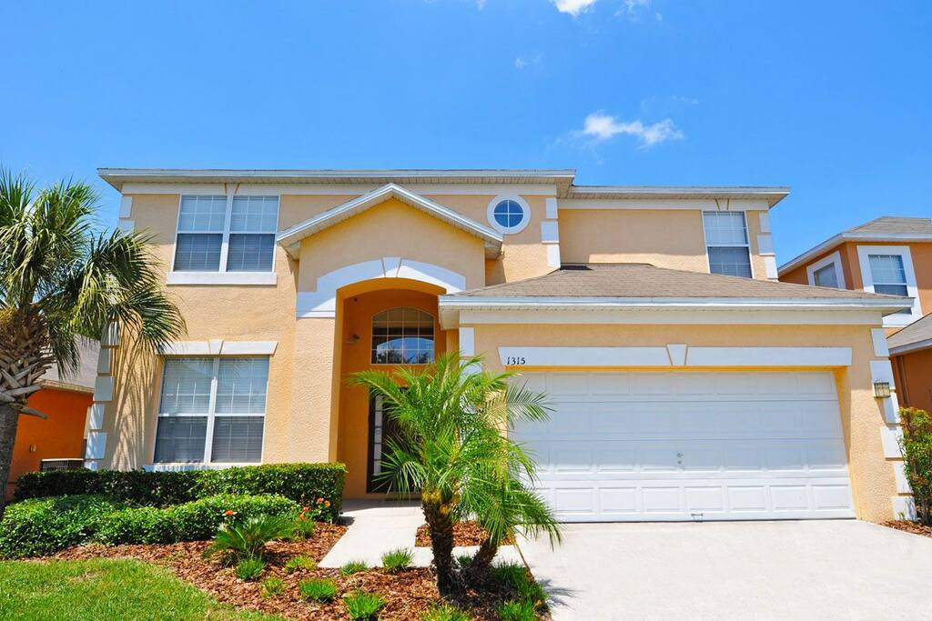 Spacious 6 bed vacation home in Kissimmee with South-west private pool