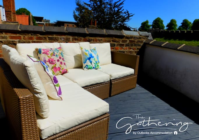 The Gillygate Gathering - Sleeps Up To 18 - City Centre