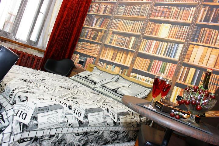 VintageLuxe studio Deribasovskaya13 - Odessa - Apartment