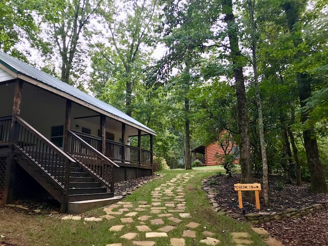 The Hiker Hostel at Barefoot Hills