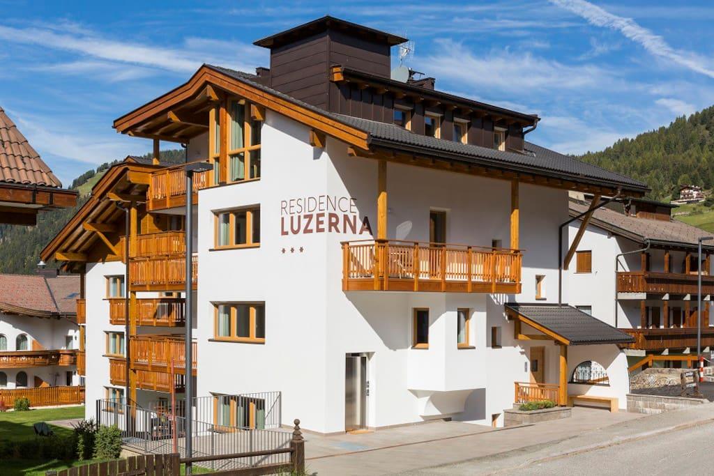 108d app 4 trilocale con 2 balconi appartamenti in for Selva di val gardena appartamenti