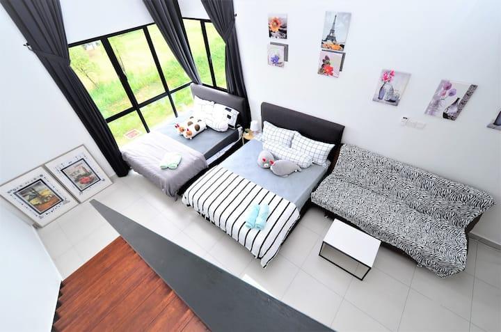 Cyberjaya@2-8pax WiFi ,free parking, 3queen bed+