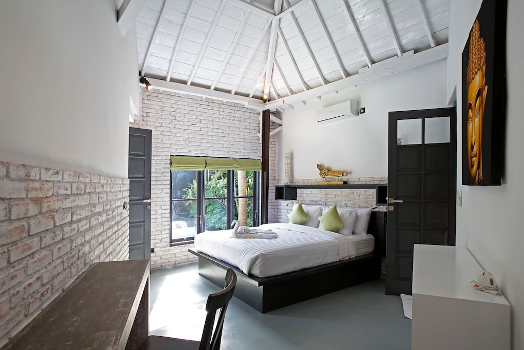 Bedroom with view on the pool - daily cleaning service