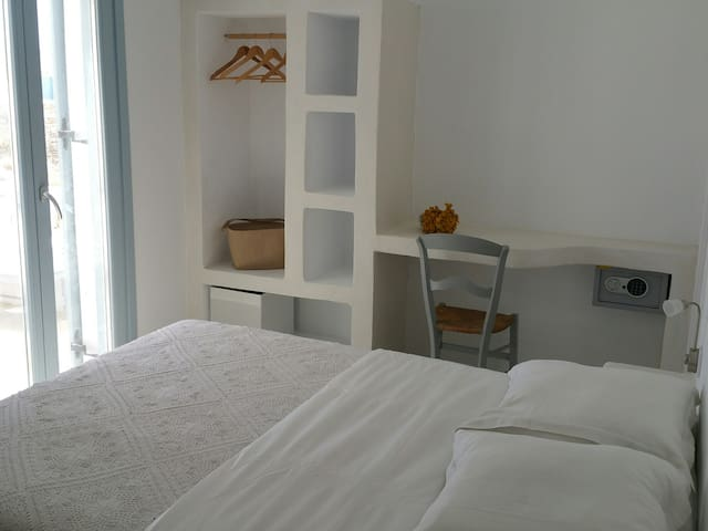 Chambre 1 / first room