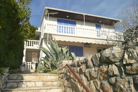 Island Pag, Vlasici, Apt. & garage - Pag - Dům