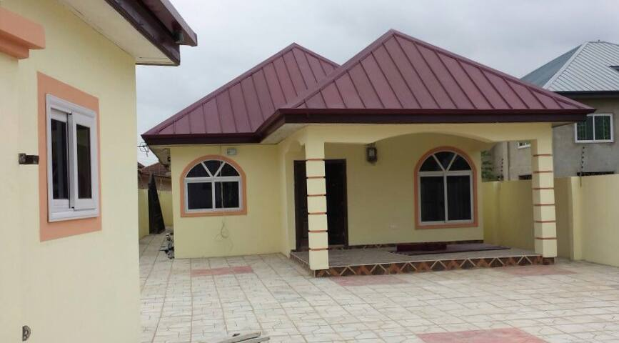 Amazing 3 bedroom house in Spintex - Accra - Hus