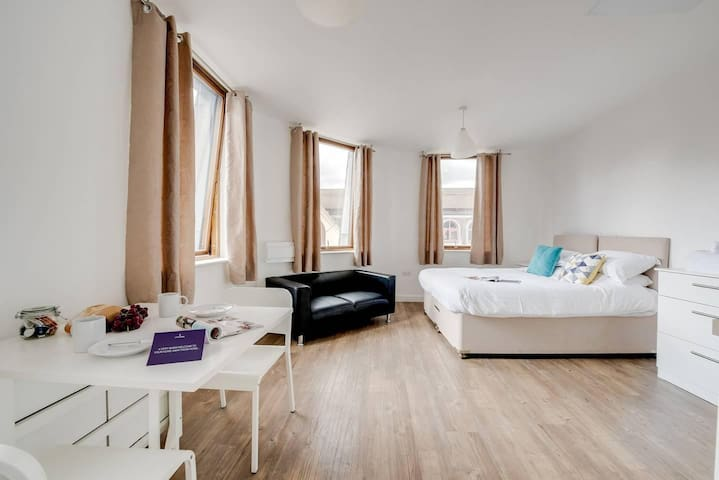Beautiful studio with city views, in Liverpool!