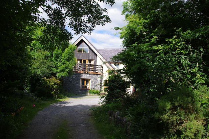 Three double rooms in the Kinvara country side.