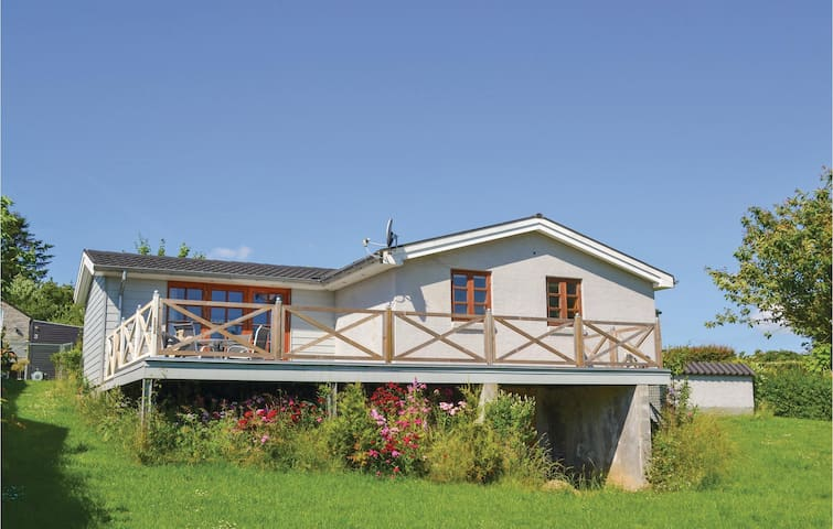 Holiday cottage with 2 bedrooms on 81m² in Egå