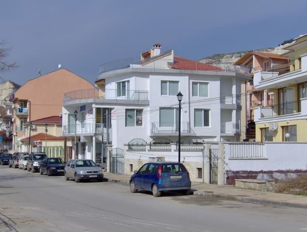 Silver Pearl - Balchik - Bed & Breakfast