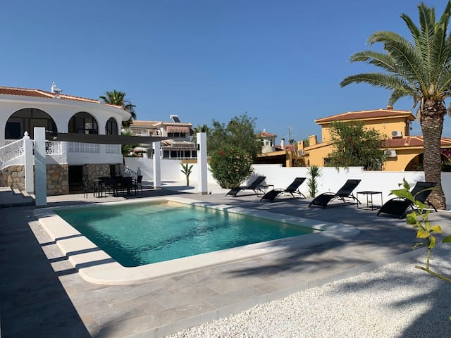 CASA CARLOS  - Private villa with pool , 6 persons