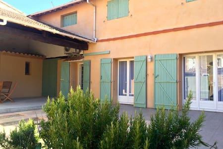 Restored wine-grower's house - Castelnau-de-Guers