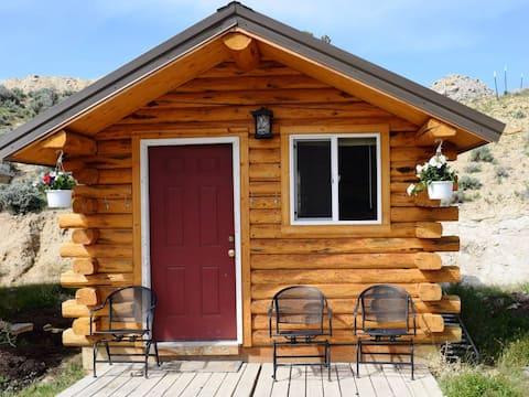 HorseWorks Wyoming Rustic Hunting Cabin #4