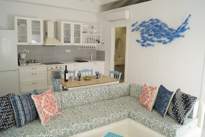 Monsoon Skiathos Luxury Home For 4