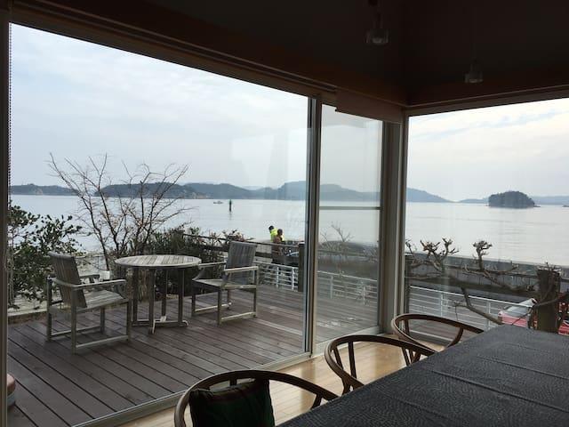 海を見ながらボーと過ごす家 - Tamano-shi - Talo