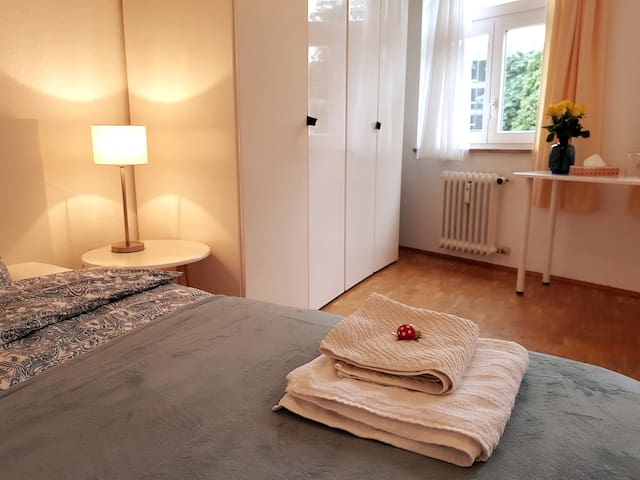 Lovely, private double room -  Christmas Markets