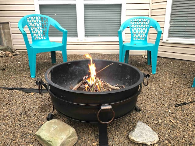 A firepit is perfect for a chilly night in NWA! Roast hotdogs or a smore and enjoy the view!